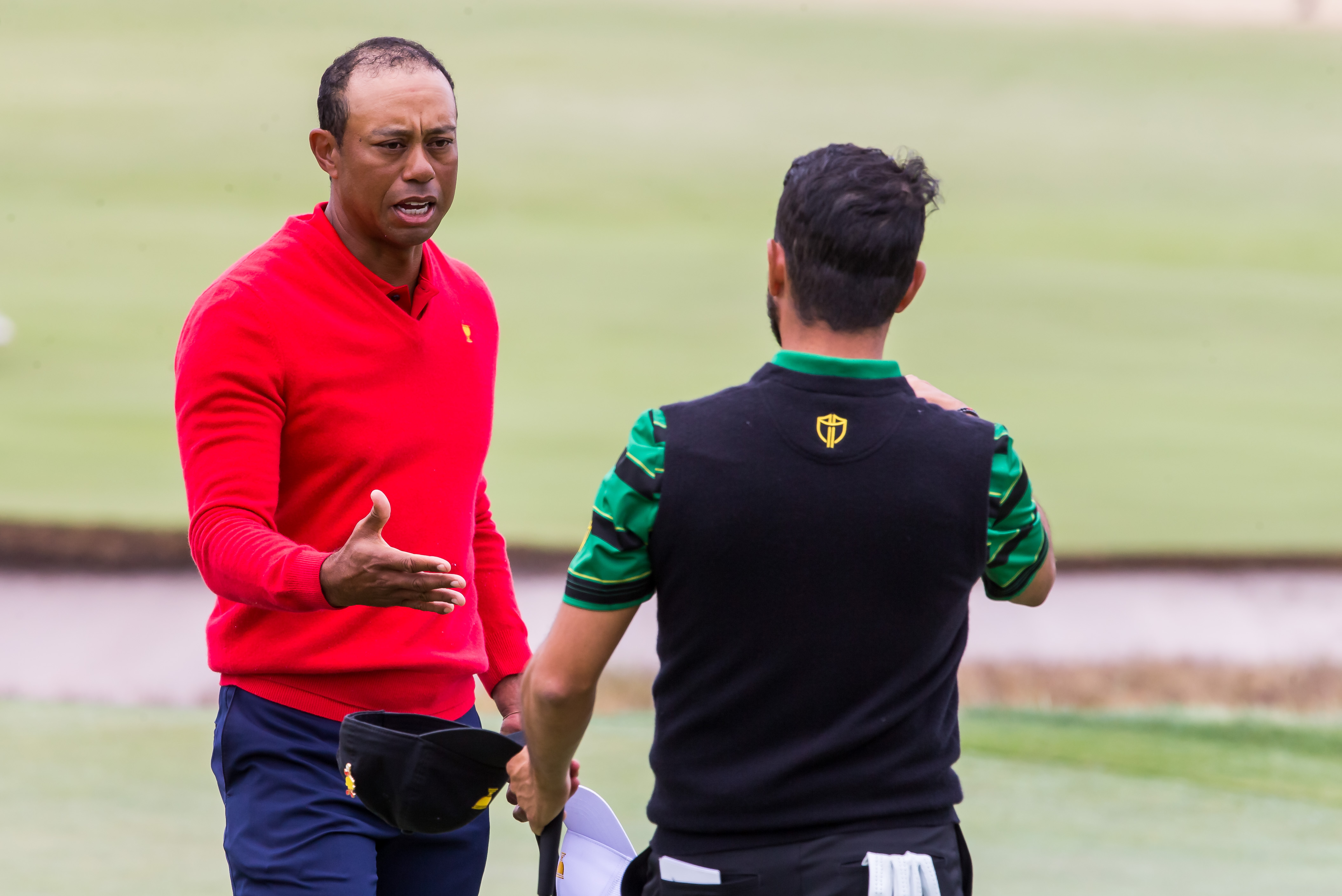 Presidents Cup 2019: Tiger Woods pulls all-time boss move by removing hat  as his winning putt dropped | Golf News and Tour Information