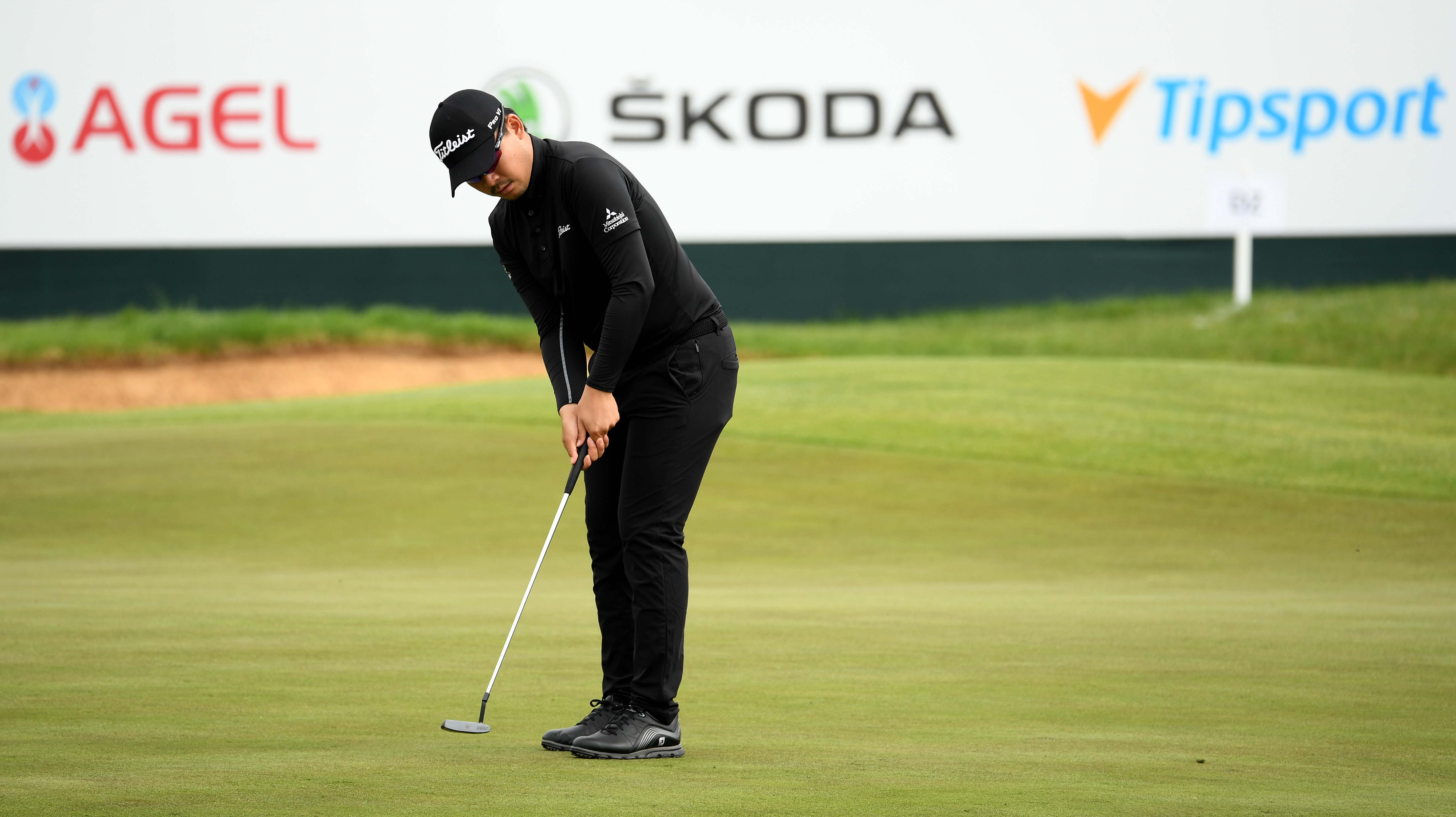 This walk-in putt puts Kevin Na to shame | Golf World | Golf Digest