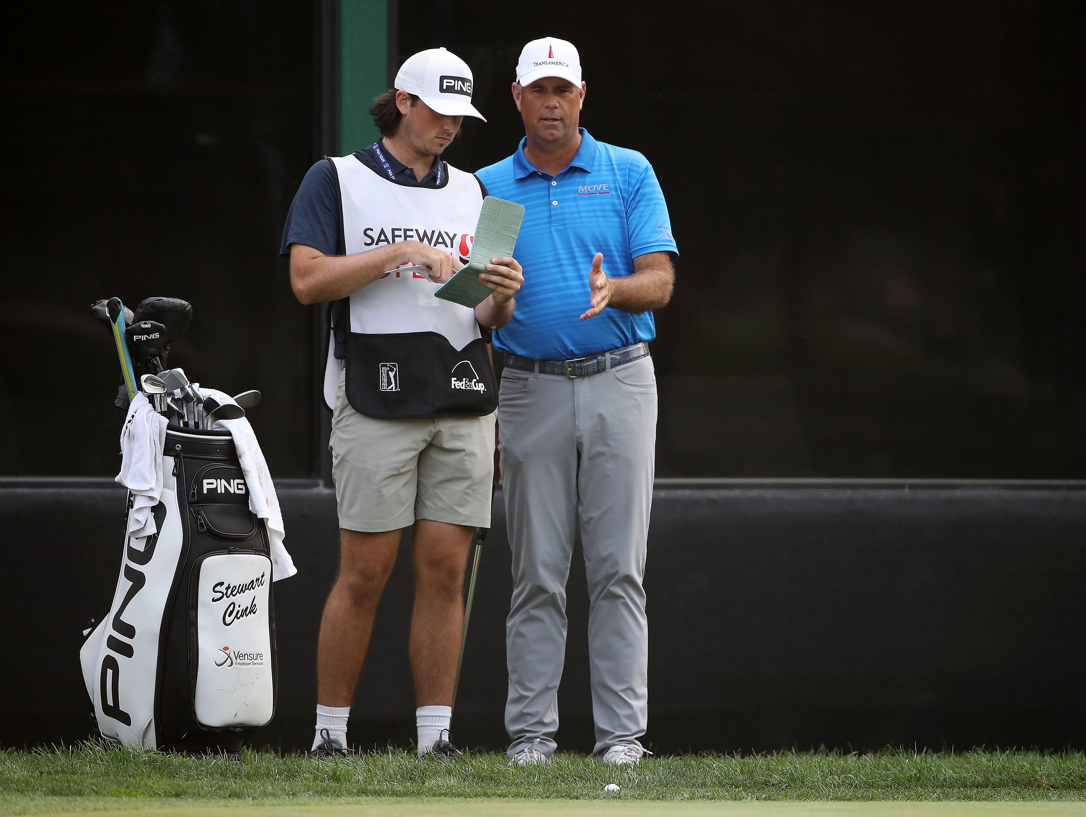 What Made Stewart Cink S Unlikely Safeway Open Win Special Is Who Was There To Share It Golf News And Tour Information Golfdigest Com
